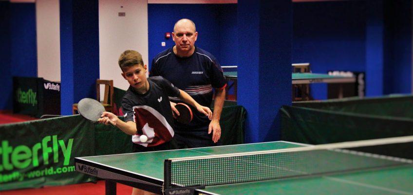 Stolní tenisté vybojovali postup do nejvyšší krajské soutěže